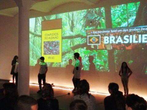 Brasilien und die Klasse 7 B2 ?  Eine Aufführung im HAU